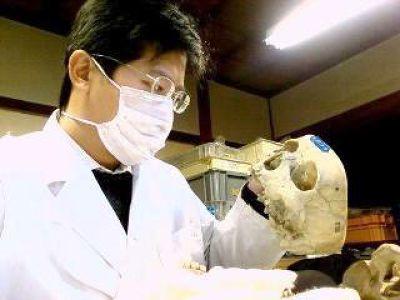 曾推翻傳統左鎮人研究的清大人類所助理教授邱鴻霖,開設全台唯一「人骨考古學」。(取自清華大學)