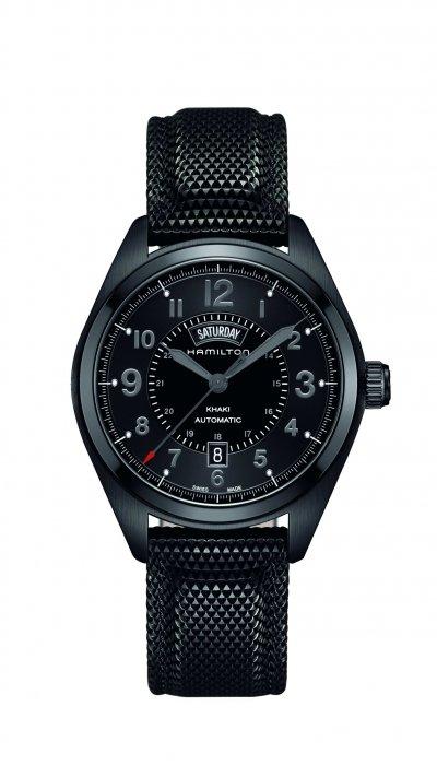 Hamilton Khaki Field卡其野戰系列Day Date日期星期腕錶,錶徑42毫米,12點鐘方向的扇形星期顯示特色獨具。(圖/Hamilton提供)