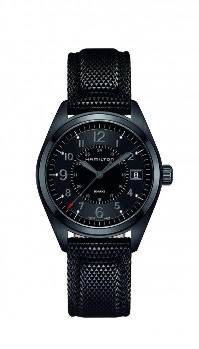 Hamilton Khaki Field卡其野戰系列Quartz石英腕錶,錶徑40毫米,回歸軍錶對於極致精準的渴望。(圖/Hamilton提供)