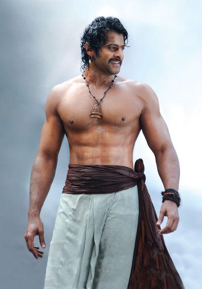 《帝國戰神:巴霍巴利王》男主角普拉哈斯為了拍攝,不斷地健身8個月。(圖/原創娛樂提供)