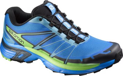 SALOMON WINGS選用良好濕地導向的高耐磨配方,搭配加深刻紋的多角度方形鞋齒,讓跑者肆無忌憚跨出每個輕盈步伐。(圖/SALOMON提供)