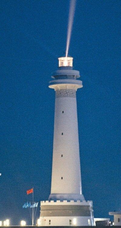 中國在南海建設5座燈塔,這是已經開始照明的華陽燈塔。