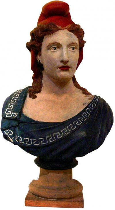頭戴弗里吉亞軟帽的瑪麗安娜雕像。(圖/維基百科)