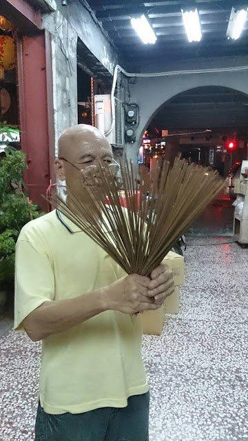 以中藥粉製成的香(圖/取自Ramble Taipei 漫步台北)