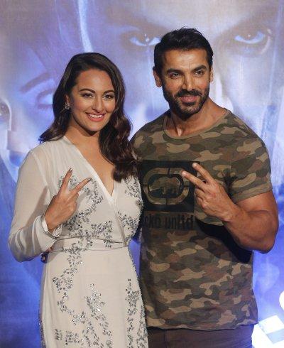 載歌載舞、俊男美女向來是寶萊塢電影的主要賣點。(美聯社)