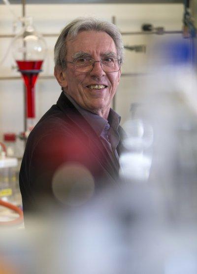 2016諾貝爾化學獎得主之一:法國的索瓦希(Jean-Pierre Sauvage)。(美聯社)