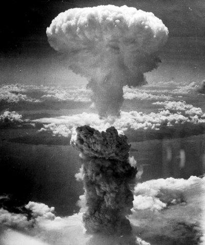 原子彈「小男孩」爆炸時的蕈狀雲。(圖/維基百科公有領域)
