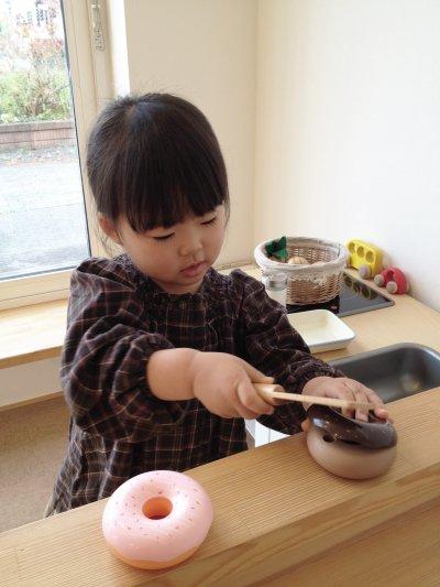 讓孩子接觸食物,對成長大有幫助。(圖/MIKI Yoshihito@flickr)