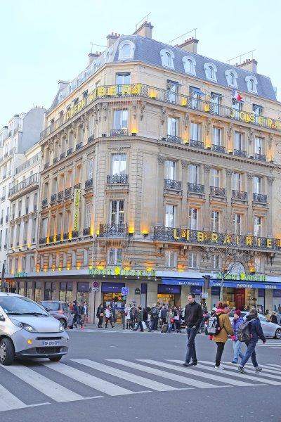 在法國,只要車輛撞到行人,無論行人穿越馬路是否合乎規定,肇事責任絕對歸屬於車輛一方。