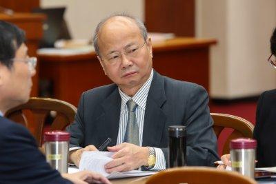 20161219-金管會主委李瑞倉19日於立院財政委員會備詢。(顏麟宇攝)
