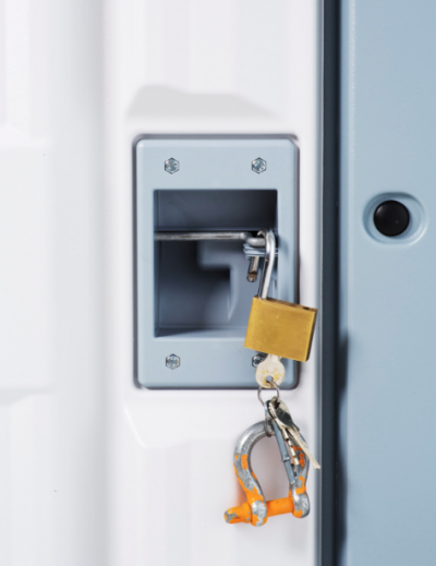 每個屋裡還配備門鎖。(圖/取自Better Shelter網站)