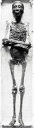 圖坦卡門的遺體。(圖/Public Domain@wikipedia)