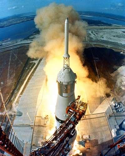 1969年7月16日,阿波羅11號任務,農神5號火箭從卡拉維爾角空軍基地39A發射台將人類送往月球(Wikipedia / Public Domain)