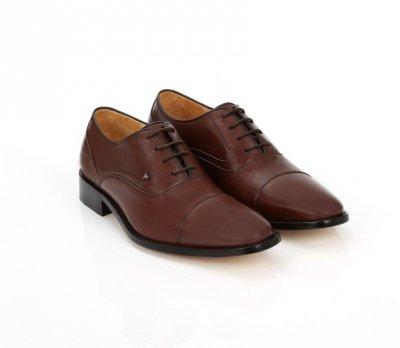A.S.O牛津鞋皮質細緻具彈性,且鞋墊使用專利奈米抗菌鞋墊,細菌零附著。(圖/A.S.O提供)