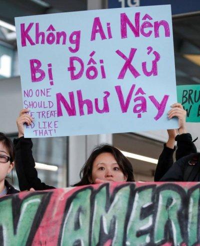 目前普遍說法是杜成德為美籍越南人,醜聞引發連串示威,現場有不少以越南語寫成的標語牌。(BBC中文網)