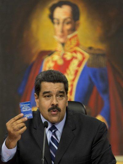 委內瑞拉總統馬杜洛宣稱要成立一個500席的憲法議會,引發民眾抗議。(美聯社)