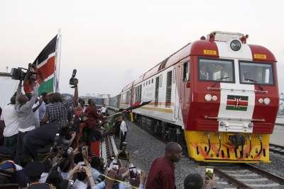 肯亞首都奈洛比到濱海大城蒙巴薩的全新鐵路通車,且100%中國製造