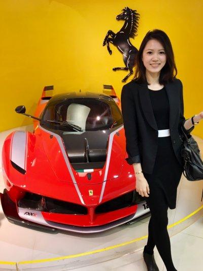Lena參加學校舉辦的活動,到Ferrari總部參觀。(圖/Sabina Huang提供)
