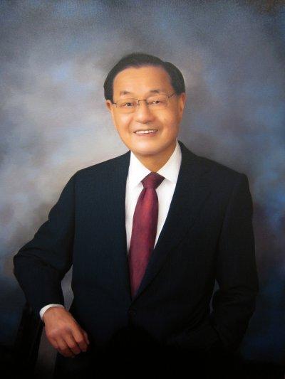 美國交通部長趙小蘭的父親趙錫成是福茂集團董事長,有「華人船王」之稱。(Bigman39@wikipediaCCBYSA3.0)