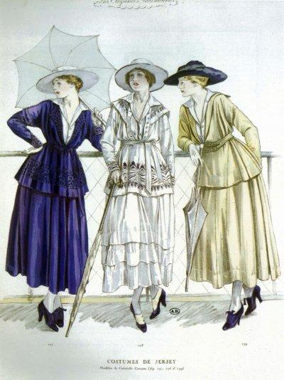 1917年3月,香奈兒設計的3套緊身套裝(Wikipedia/Public Domain)