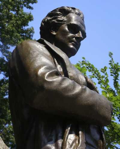 希姆斯的雕像(AP)