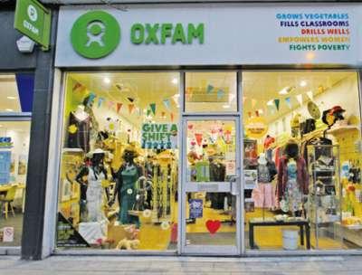 省錢挖寶好去處!慈善二手商店 OXFAM。(圖/麥田出版提供)