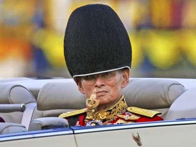 已故泰王蒲美蓬2006年資料照。(美聯社)
