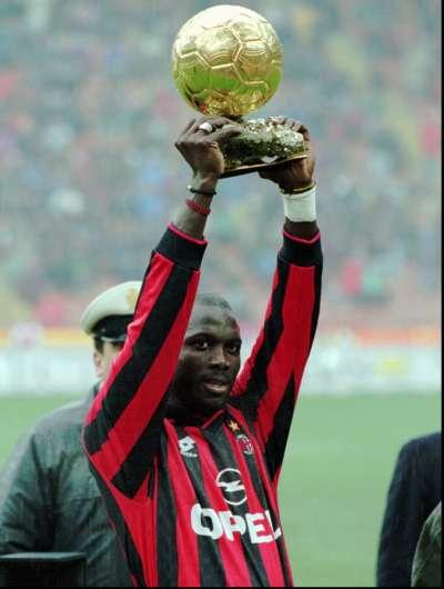 1995年,維阿獲得國際足協金球奬(AP)