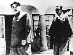 1948年,金九(右)前往平壤與金日成(左)會談。(Wikipedia Public Domain)