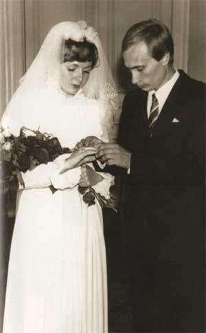 普京與柳德米拉在1983年結婚(Vladimir Putin@Wikipedia/CC BY 4.0)