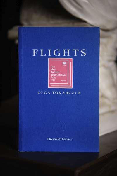 波蘭知名小說家朵卡萩(左)以《飛翔》(Flights)一書獲得2018年曼布克國際獎(美聯社)