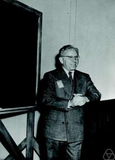 美國統計學家沃德(Abraham Wald)