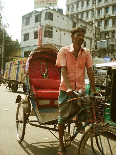 示意圖。印度清奈人白天會在三輪車後方睡覺(取自Pixabay)