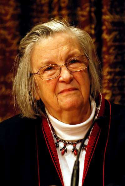 歐斯壯(Elinor Ostrom)是史上唯一一位諾貝爾經濟學獎的女性得主。(Holger Motzkau@Wikipedia/CC BY-SA 3.0)