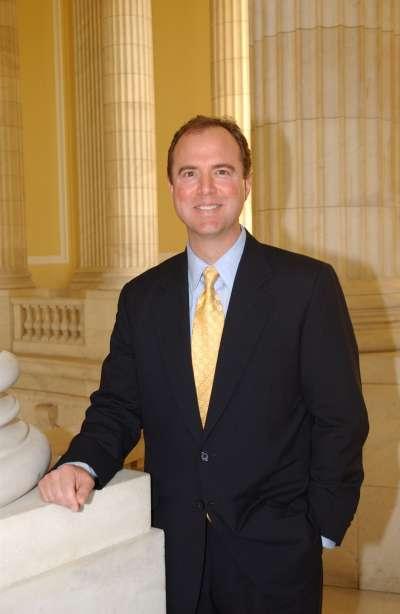 加州民主黨籍聯邦眾議員希夫(Adam Schiff)將成為眾院情報委員會(Intelligence Committee)的新任主席。(維基百科公有領域)
