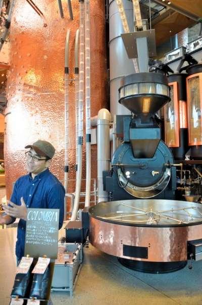 「星巴克臻選®東京烘焙工坊」店內設置大型烘培機=攝於2月27日(圖/潮日本)