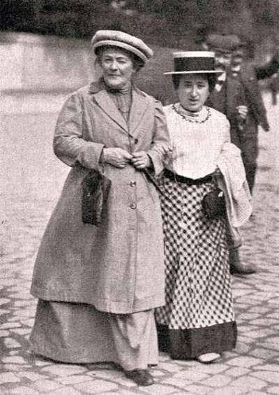 1910年1月,克拉拉·蔡特金和羅莎·盧森堡。(圖/維基百科公有領域)