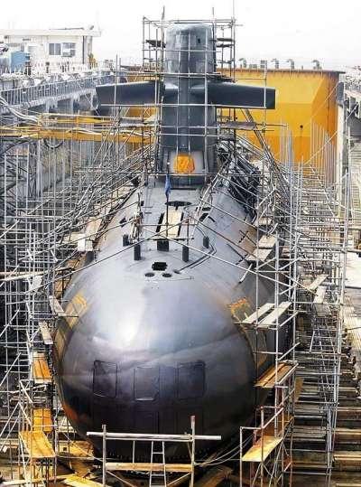 20190418-位於乾塢維修作業的劍龍級潛艦。(取自《MDC軍武狂人夢》網站)