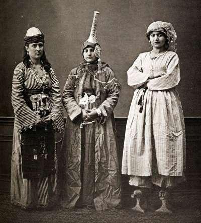 1870年左右的大馬士革婦女照。(圖/作者提供)
