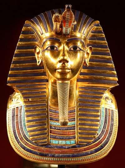 圖坦卡門的木乃伊面具,為埃及博物館的古埃及標誌。(圖片取自維基百科)