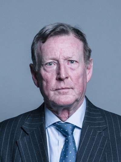北愛爾蘭統一黨(UUP)前黨魁特林布爾(David Trimble),因為促成《受難日協議》而獲得1998年諾貝爾和平獎。(Chris McAndrew@Wikipedia_CCBYSA3.0)