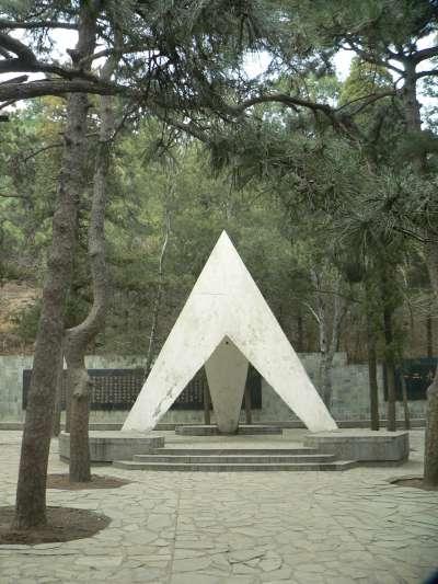 20191220-北京植物園櫻桃溝內的一二九運動紀念亭。(資料照,取自維基百科)