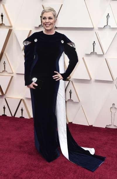 第92屆奧斯卡紅毯,上屆影后、「女王專業戶」奧莉薇亞柯爾曼(Olivia Colman)(AP)