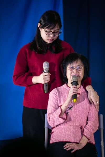 社工與照顧者合演看見戲劇療癒的力量。(作者提供,張瑞宗攝影)