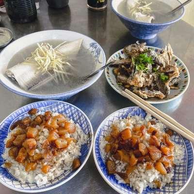 開元路無名虱目魚,堪稱台南最經典虱目魚店,不早點排隊可能會吃不到!(圖/IG@foodstalkerworld)