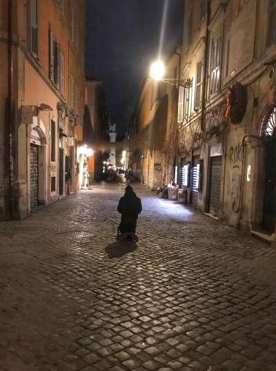 義大利疫情急遽升高,總理孔蒂10日宣布全國封鎖,預計4月3日解除。(美聯社)