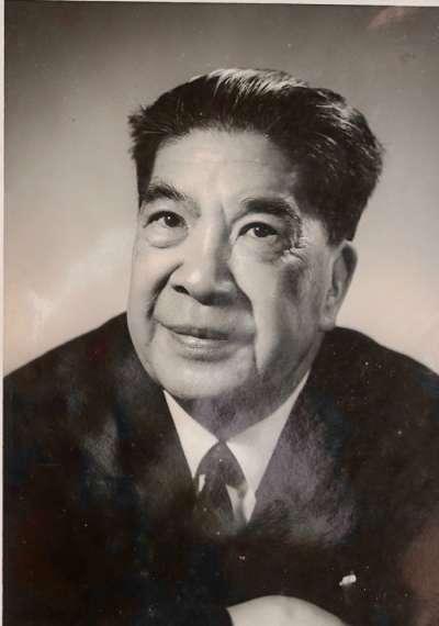 1964 赴美耶路大學研究院作書前照(簡又文談太平天國,新銳文創)