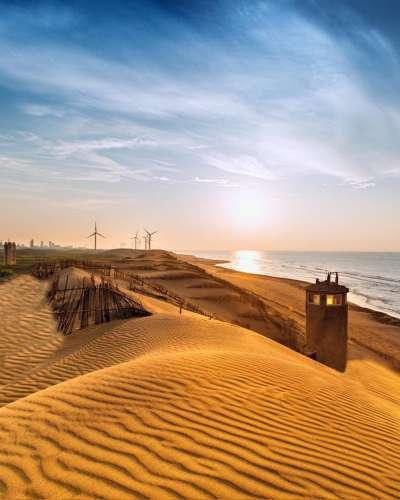 綿延的沙丘,讓人隨手一拍就有置身在沙漠的錯覺。(圖/IG@vivian06041)