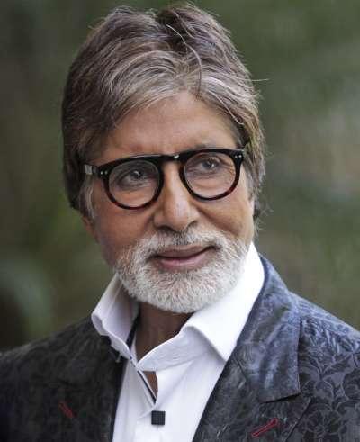 印度新冠肺炎疫情猖獗,寶萊塢巨星阿米塔巴昌(Amitabh Bachchan)一家四口皆確診。(AP)