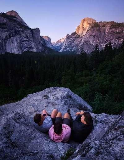 三人在優勝美地國家公園,照片由 Taylor Gray 拍攝。(圖/愛范兒提供)